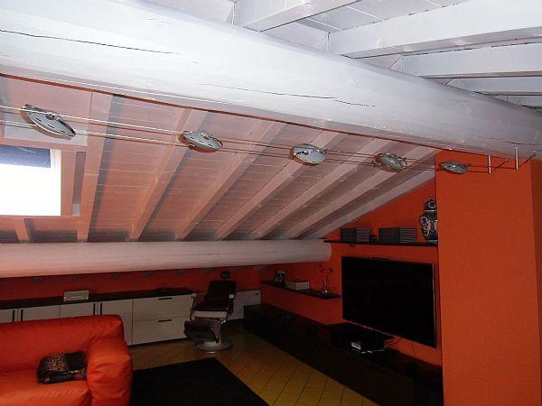 Verniciatura soffitto in legno